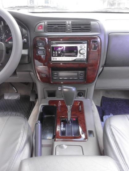 2004 Nissan Patrol Presidential Edition A/T Turbo Diesel image 4
