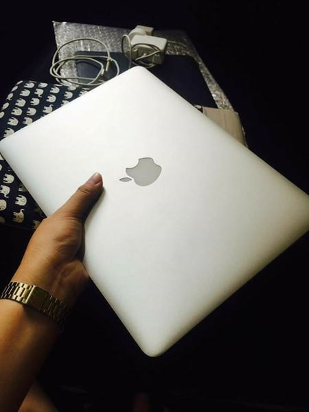 apple laptop for sale photo