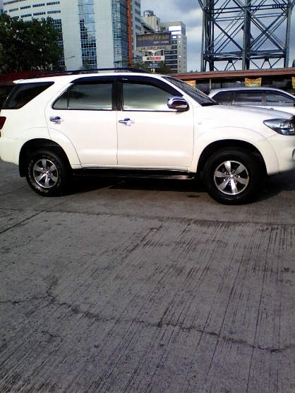 2006 Toyota Fortuner G gas image 2