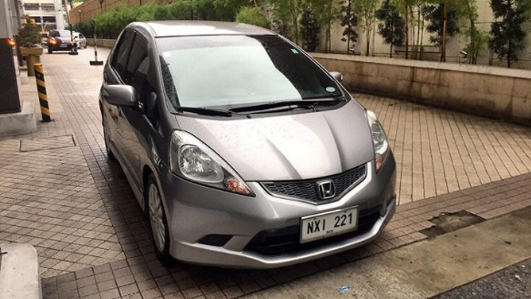 Honda Jazz 1.5 2010 model top of the line photo