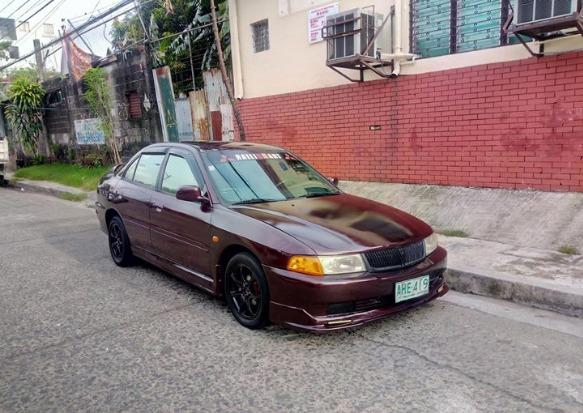 1998 Mitsubishi Lancer Mirage photo
