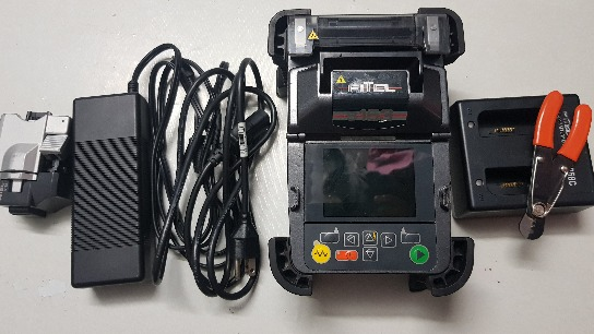 Fiber optic Splicing Machine or Fusion Machine photo