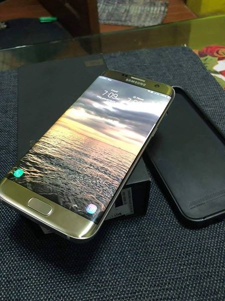 Samsung S7 edge factory unlocked both sim 32gb image 2