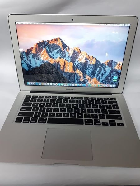 MacBook Air (13-inch 2014) photo