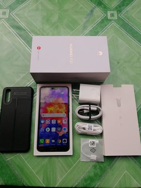 Huawei P20 Midnight Blue 128GB photo