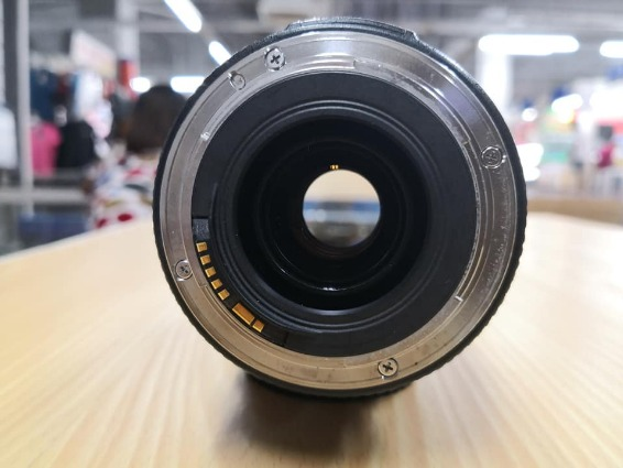 Canon 70-300mm usm f4-5.6 zoom lens image 5