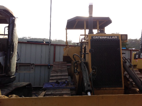 CATERPILLAR BULLDOZER photo