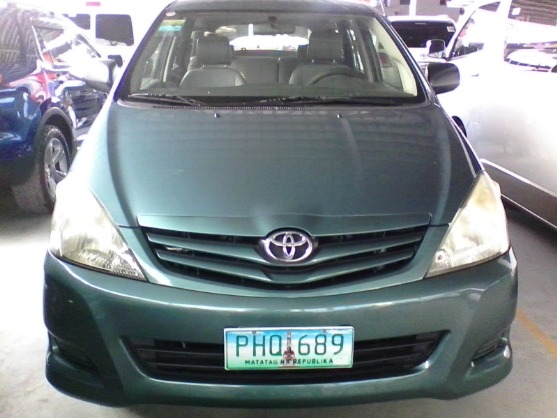 2010 TOYOTA INNOVA E AUTOMATIC DIESEL photo