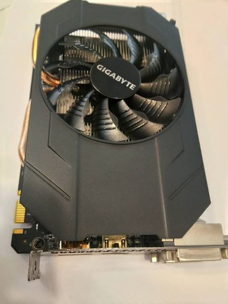 Gtx 960 /4gb /128bit /one 6 pins /ddr5 Gigabyte brand photo