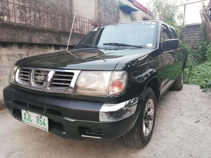 nissan frontier 2003 photo