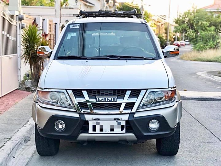 Isuzu Crosswind XUV M/T photo