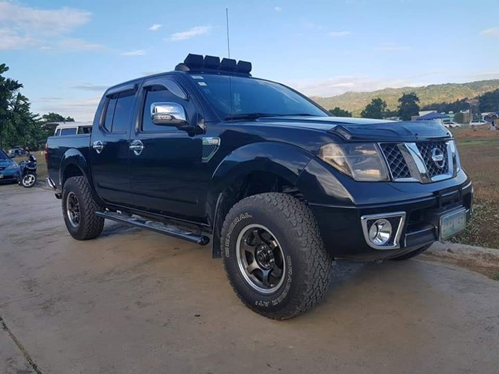Nissan Navara LE 2008 model manual loaded photo