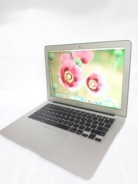 MacBook Air (13-inch 2011) photo