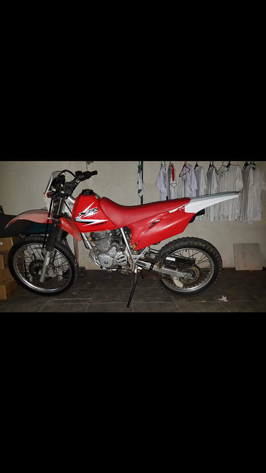 Honda xr200 photo
