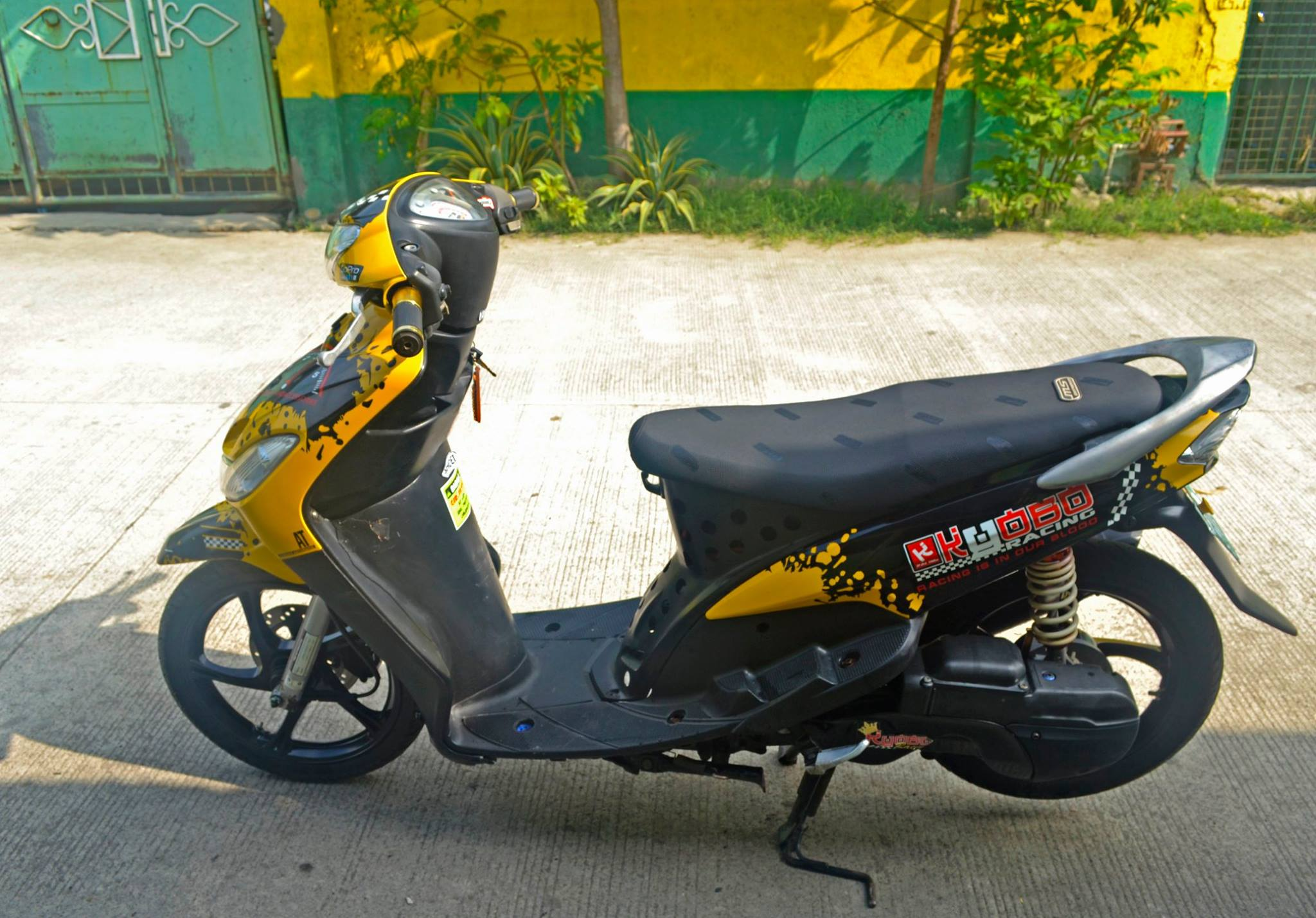 mio sporty 2011 touring photo