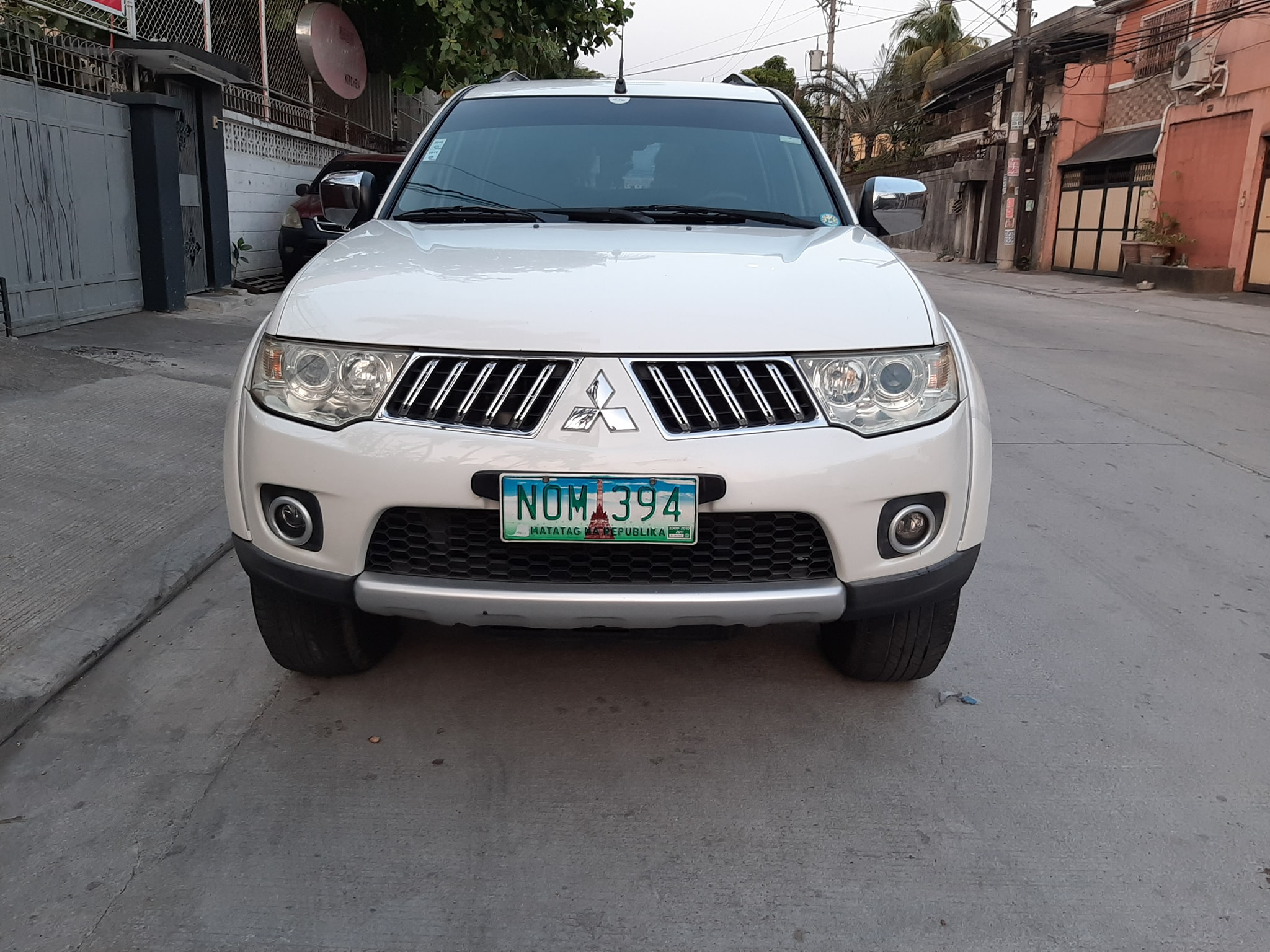 Montero gls automatic photo