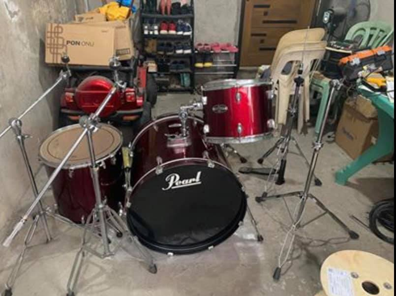 Pearl Target Drumset photo