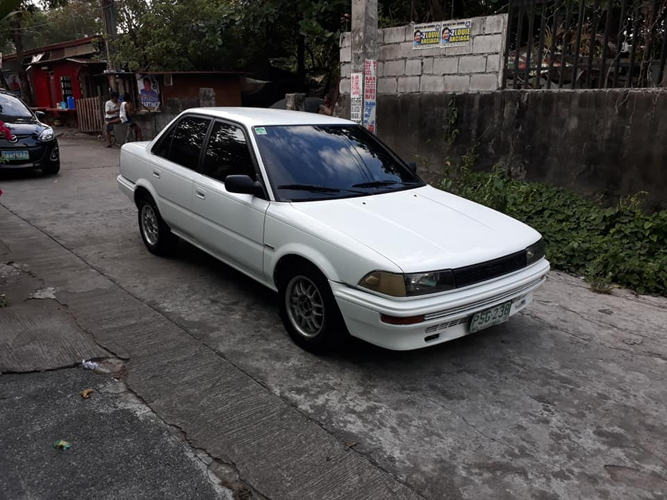 Toyota corolla XL 1990 model  photo