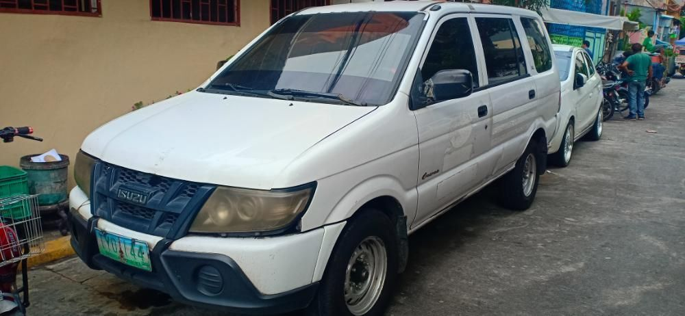 Isuzu Crosswind XL TurboDiesel Manual 2011 Model photo