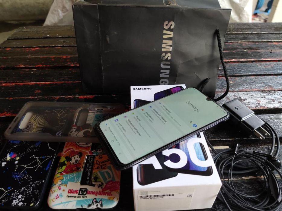 Samsung A50 (Blue) 128GB photo