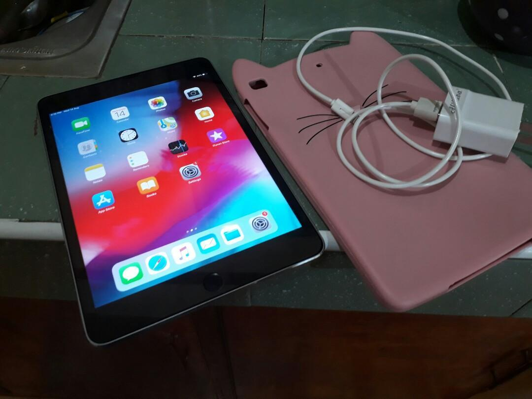 iPad mini 4 wifi 128gb photo