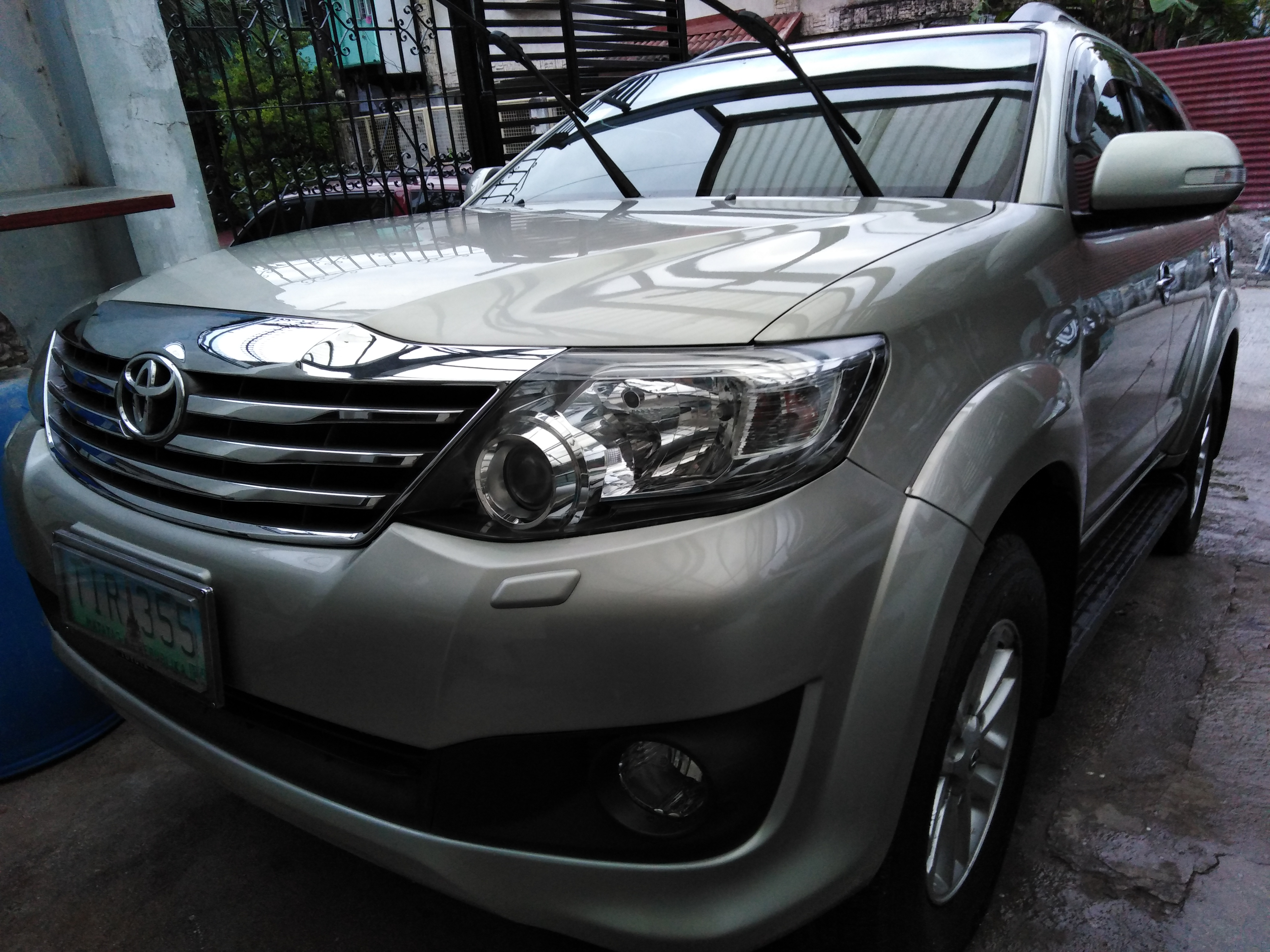 2012 Fortuner G excellent condition photo