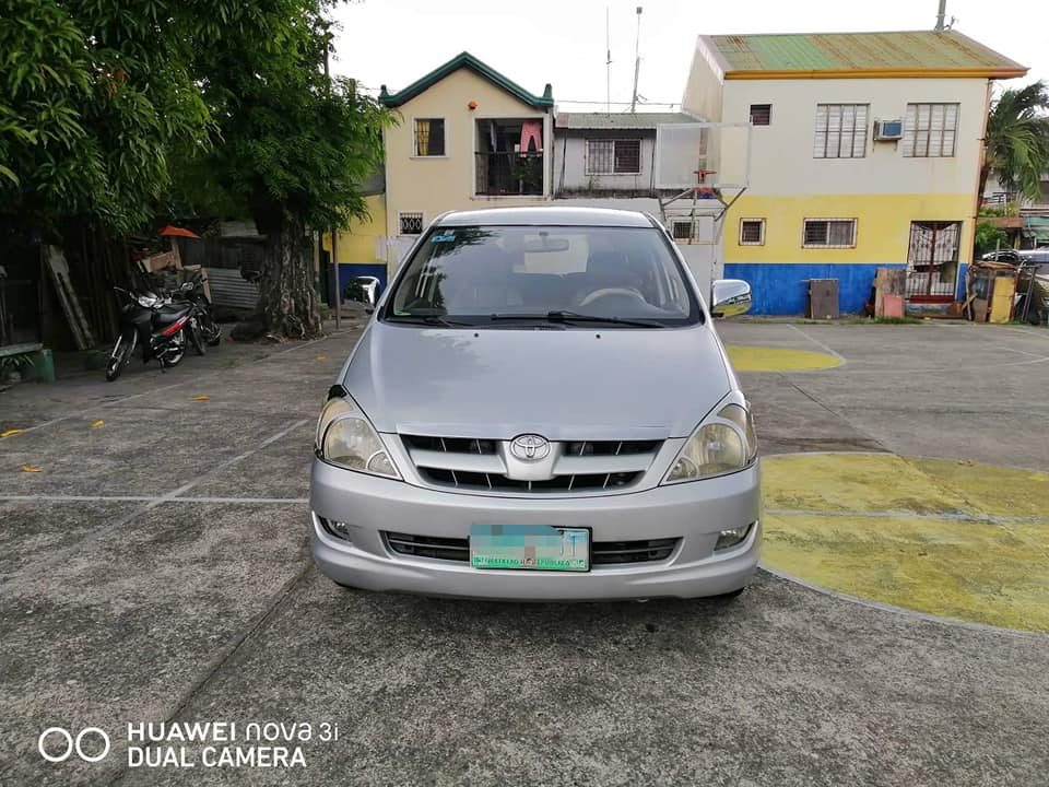 Toyota Innova E 2005 photo