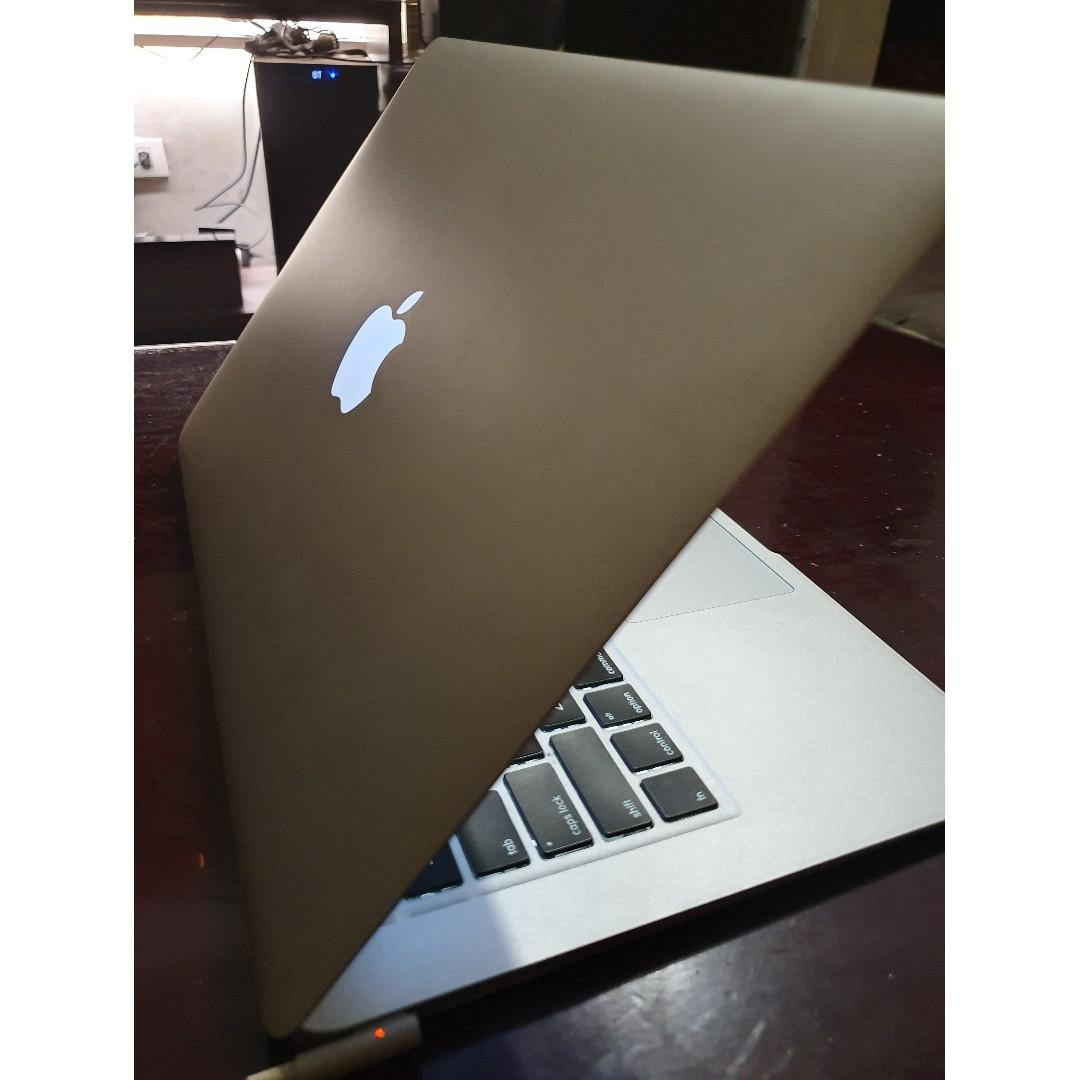 MacBook Air (Mid 2011) photo