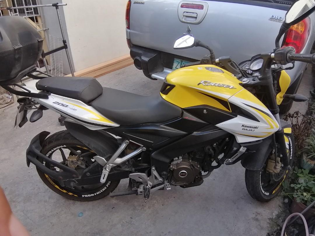 Rouser NS 200 2017 yellow color photo