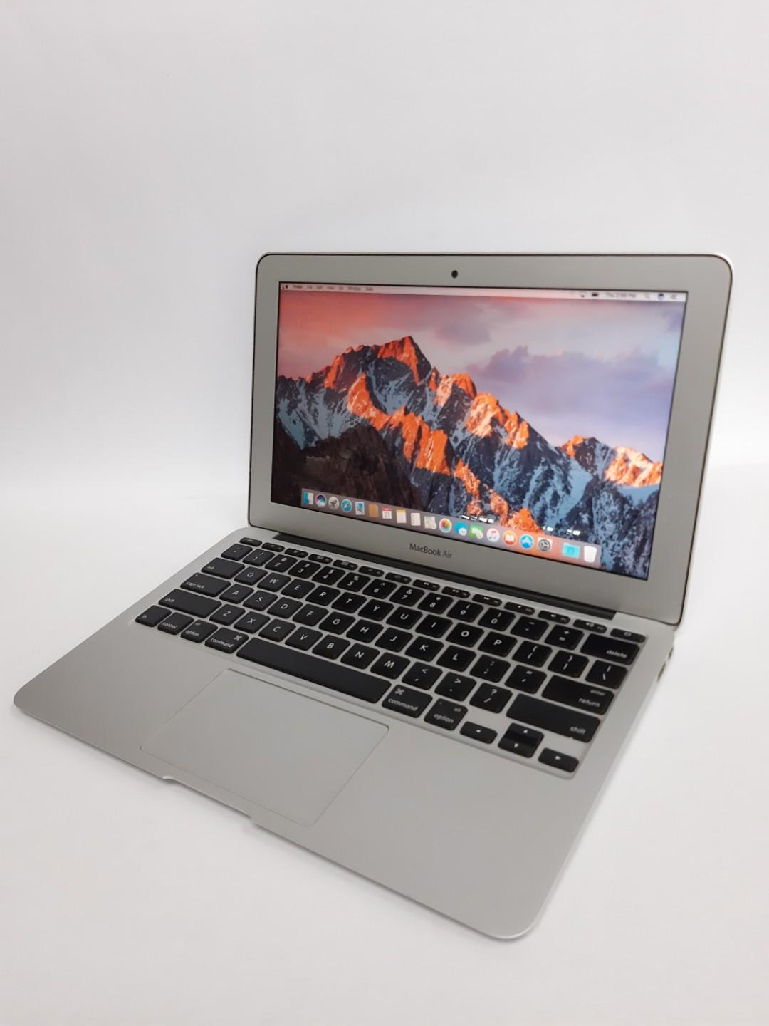 MacBook Air (11-inch 2013) photo