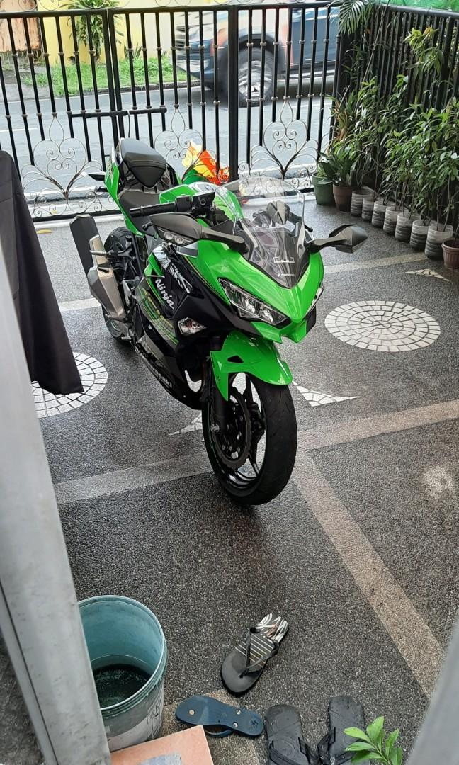 Kawasaki Ninja 400 KRT Edition photo