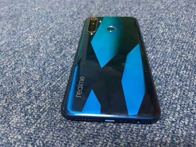 RealMe 5 Pro Crystal Green 128 GB photo