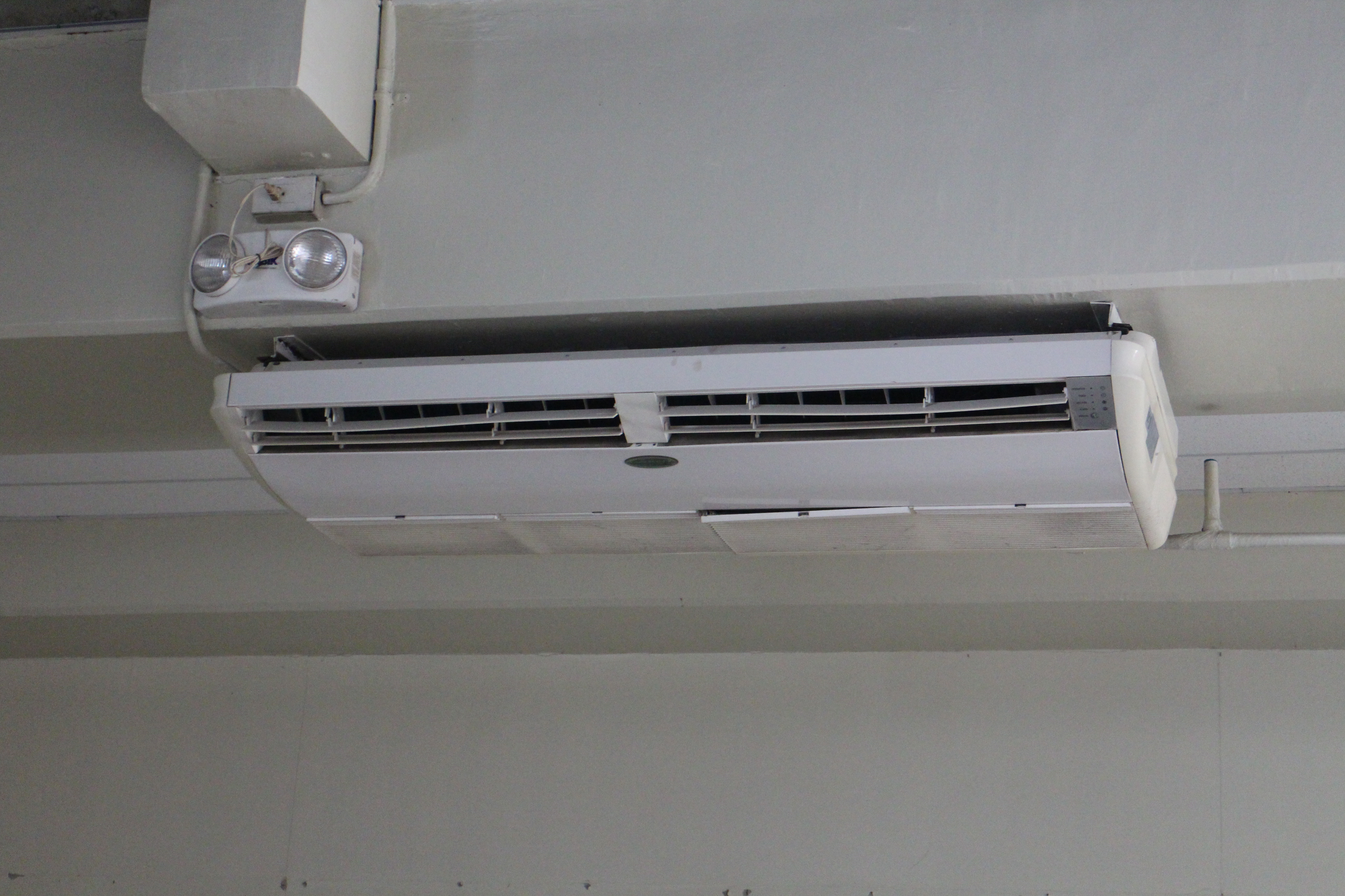 Everest Aircon 5 tons Ceiling Type Inverter Second hand (negotiable) photo