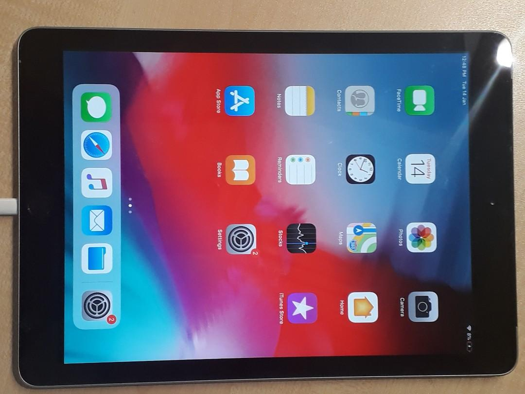 iPad 5th Gen  4g/wifi 128gb openline photo