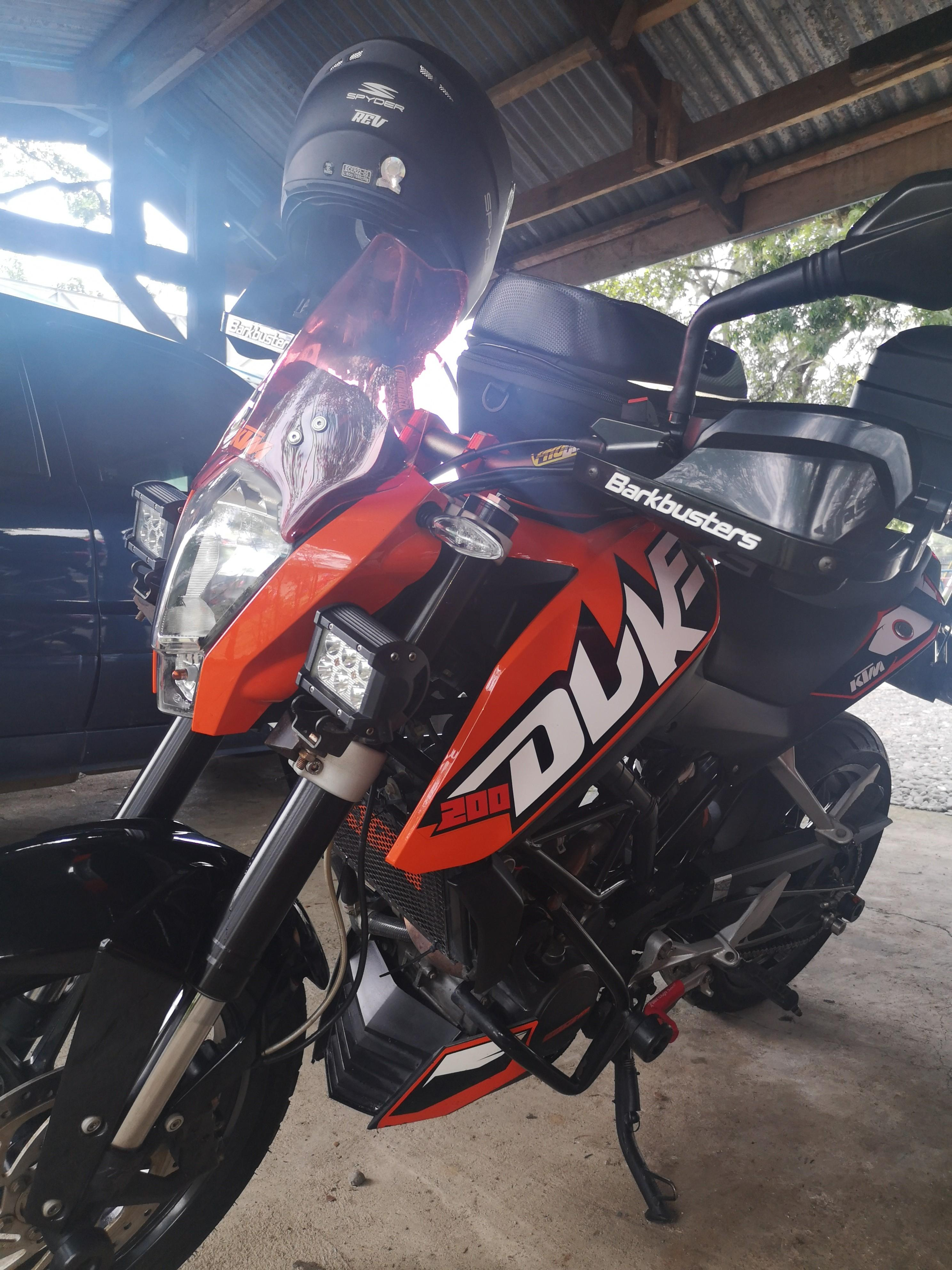 KTM Duke 200 CC 2012 photo