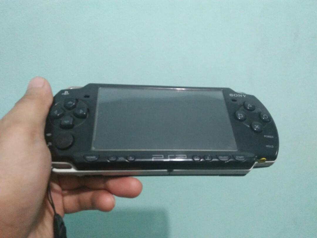 psp slim 2k 8gb photo
