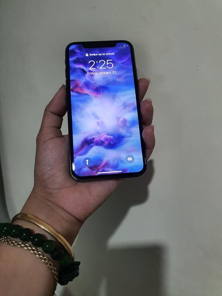 iPhone X 64GB photo