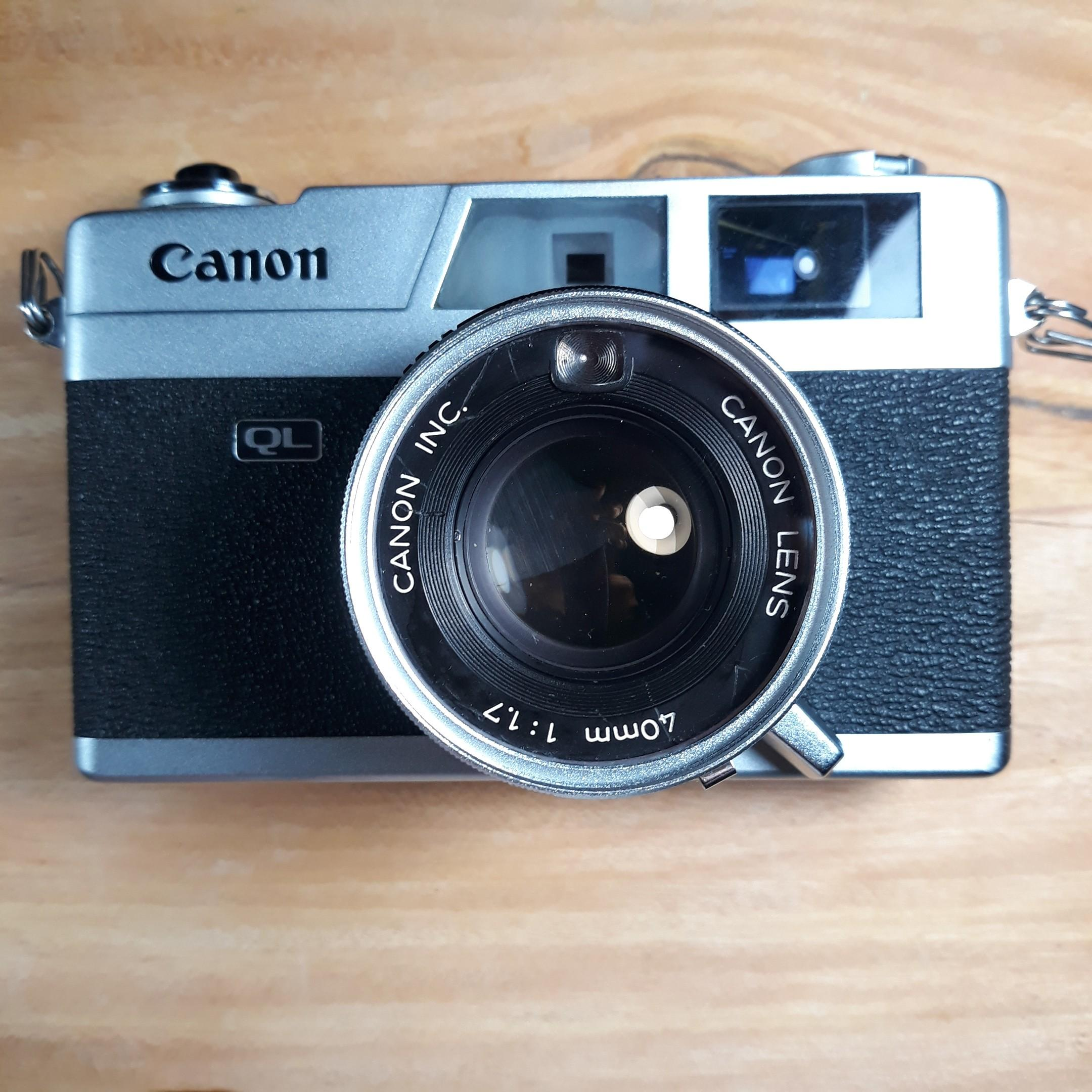 Canon Canonet QL17 photo
