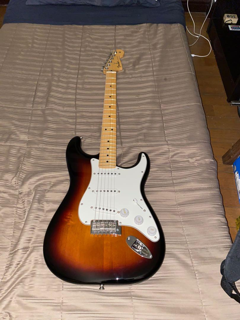 Fender Stratocaster Player Series MIM Sunburst photo