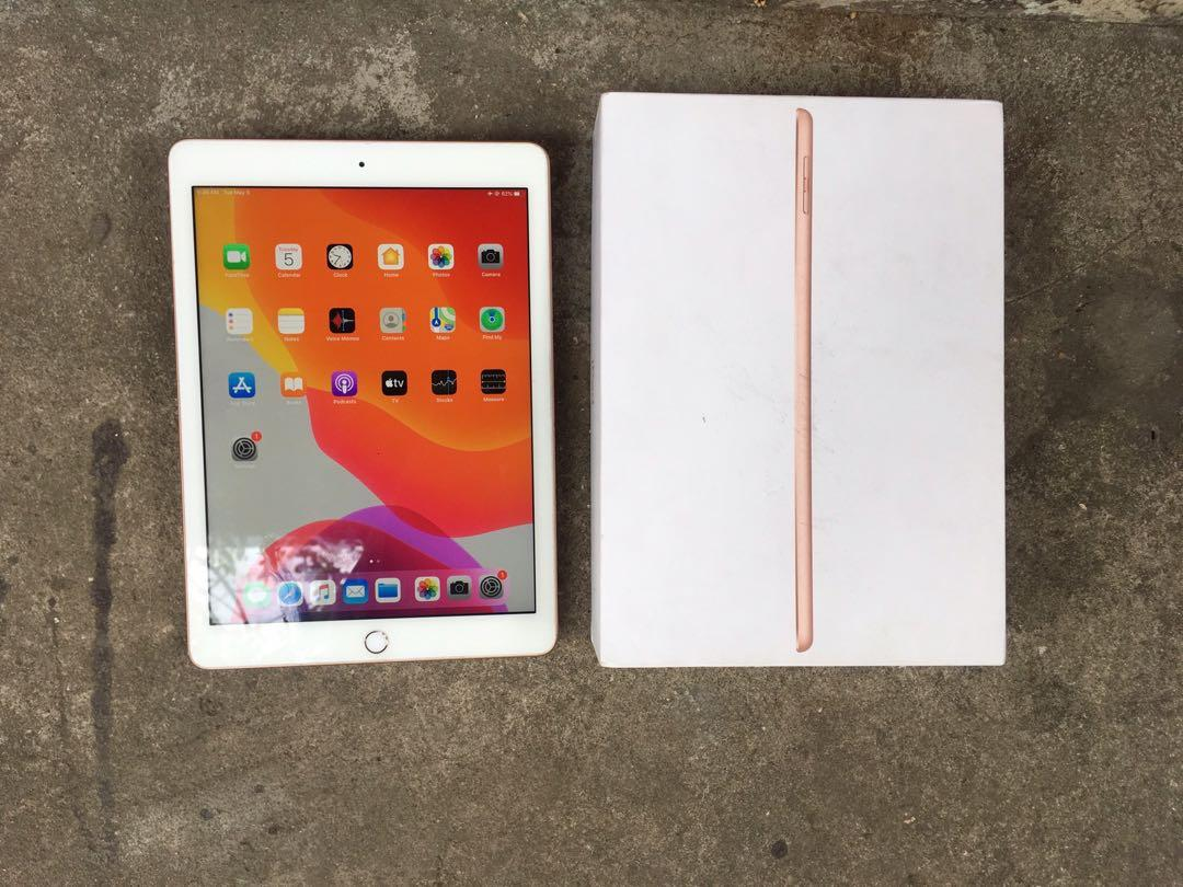 Ipad 6th gen 32gb Wifi Only photo