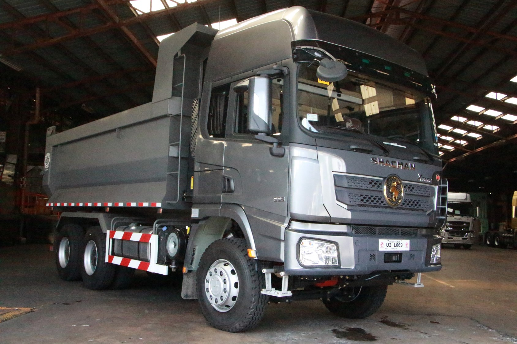Shacman X3000 Dump Truck Tipper 6x4 10 wheeler mining SX32564T384C photo