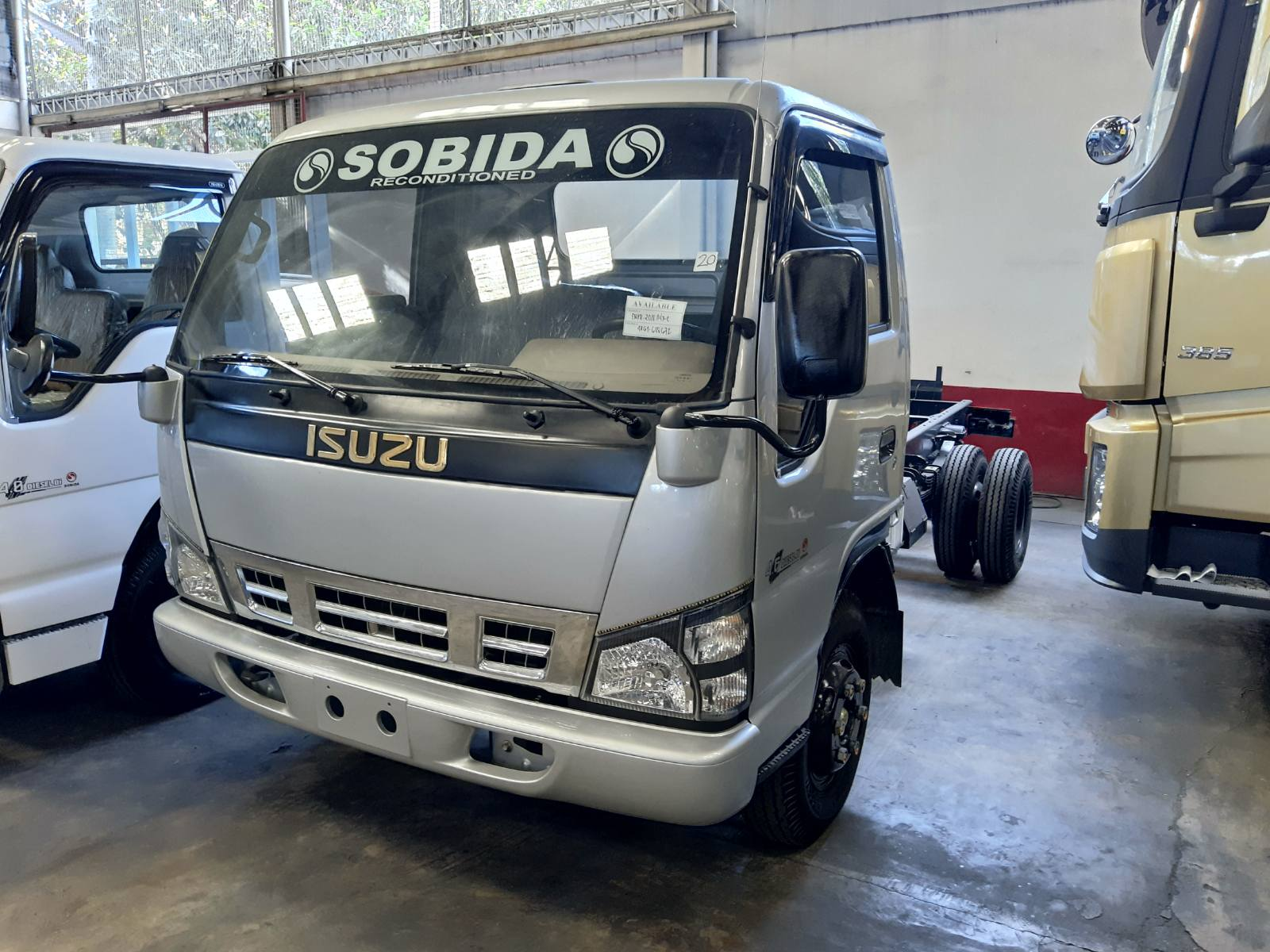 Sobida Isuzu NPR 6wheel Cab & Chassis truck elf canter hino photo
