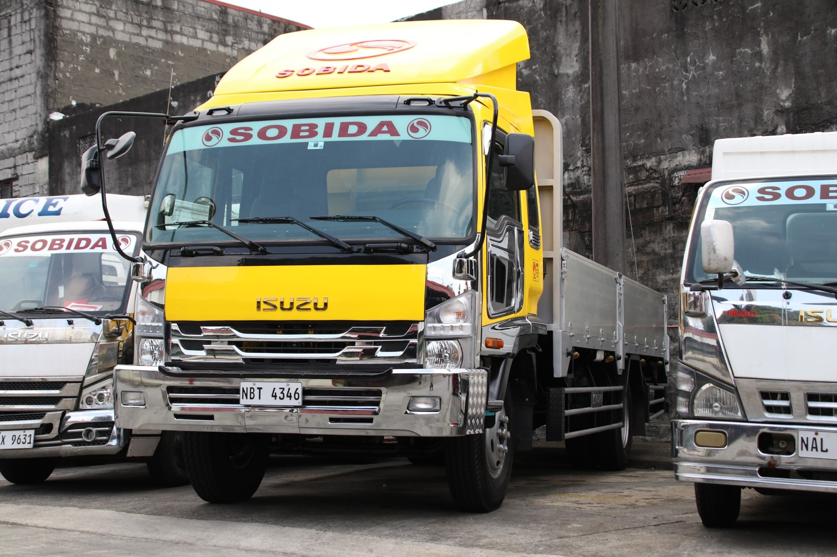 Sobida Isuzu FRR Forward Aluminum Dropside 6wheel truck photo