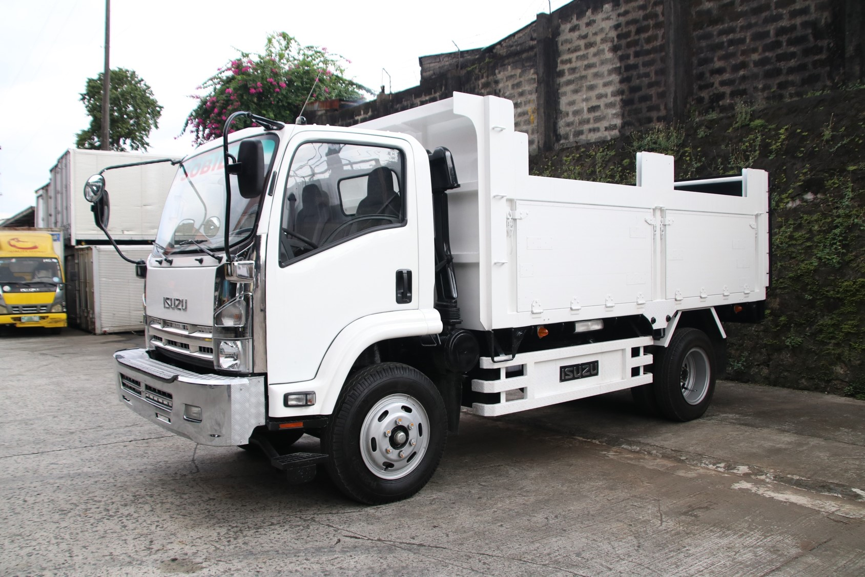 Sobida Isuzu FRR Forward 6wheel dump truck photo