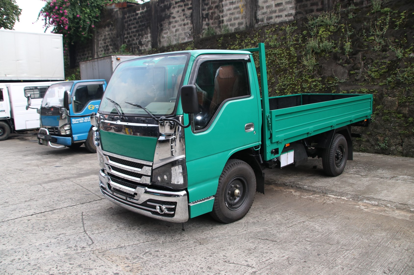 Sobida Isuzu NHR NKR NLR NMR Dropside Truck elf canter hino photo