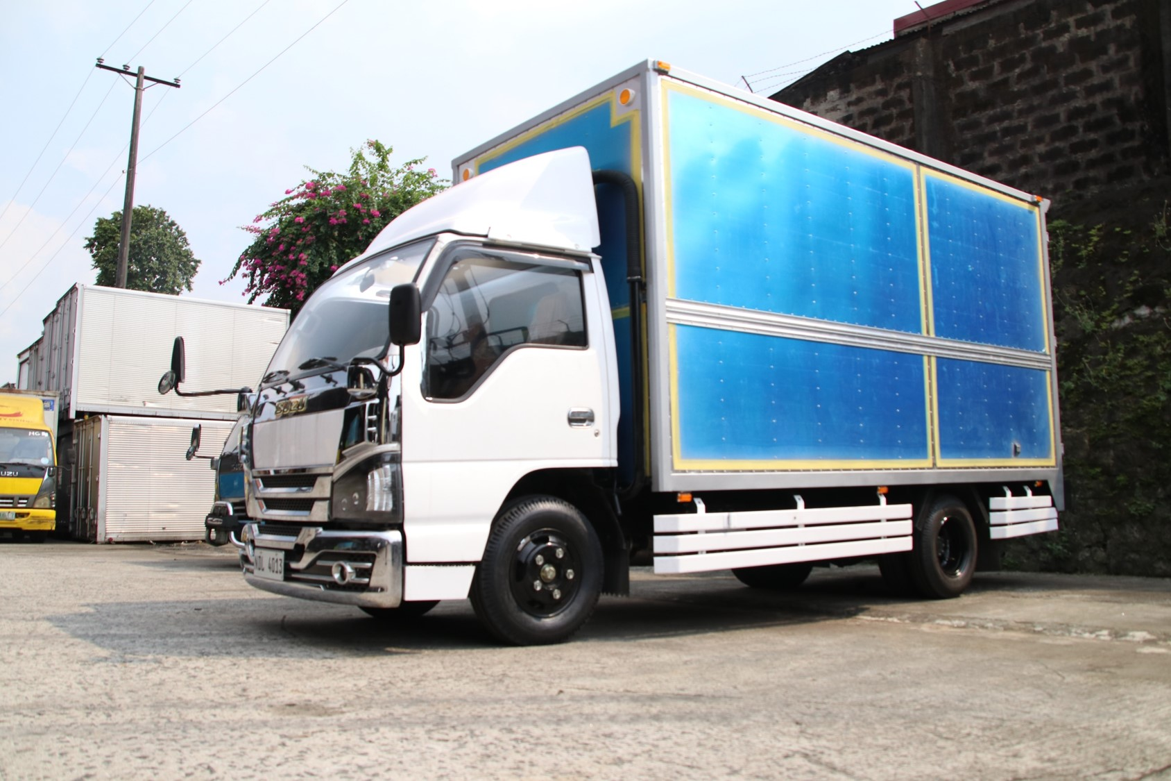 Sobida Isuzu NHR NKR NLR NMR Aluminum Closed Van truck elf canter hino photo