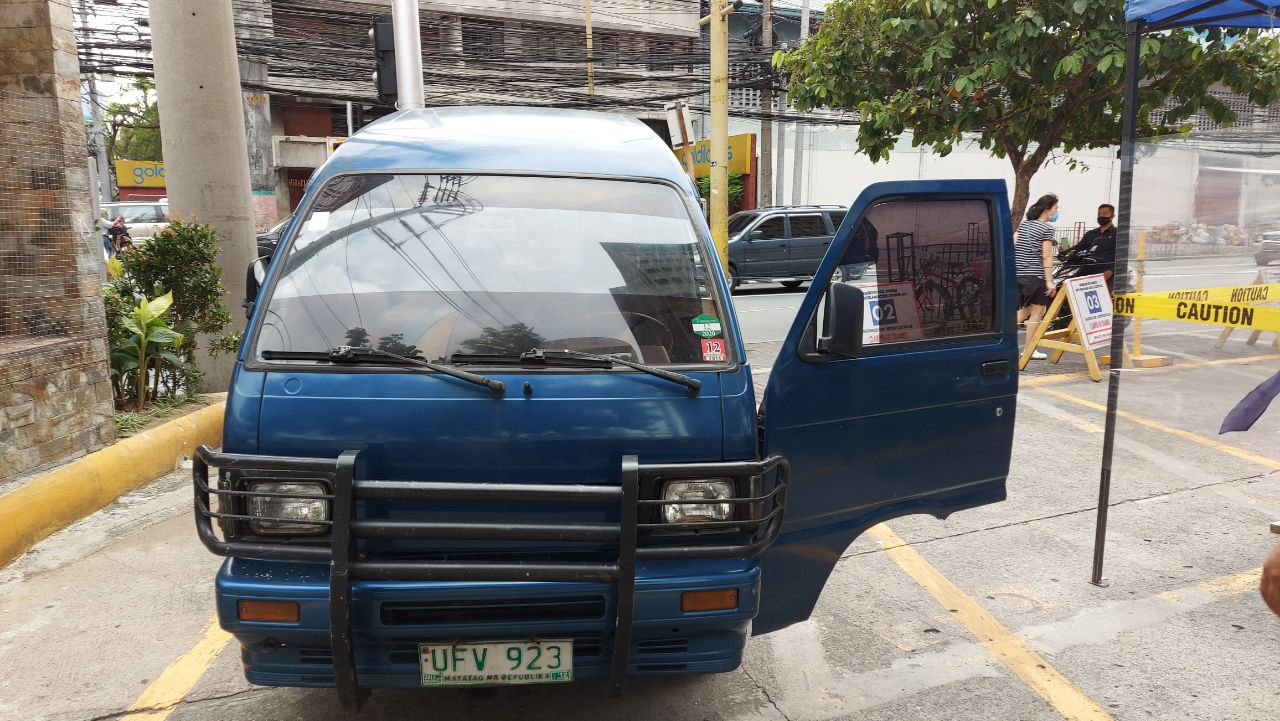 Daihatsu Blue MINIVAN HIJECT  photo