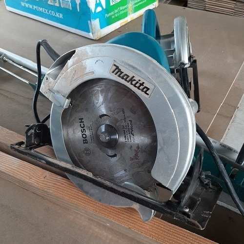 MAKITA CIRCULAR SAW N9500B / 235MM  photo