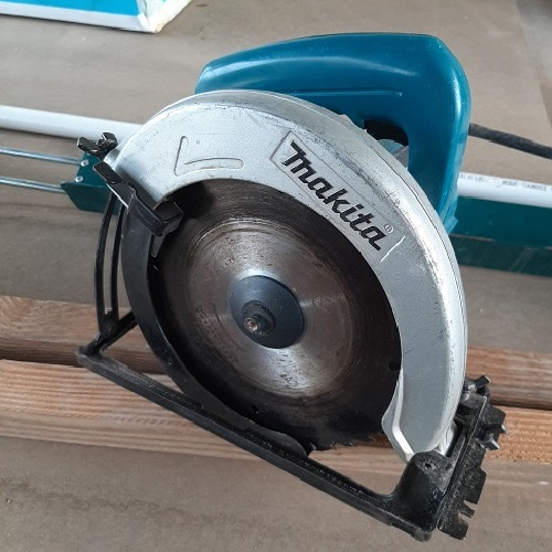 MAKITA CIRCUKAR SAW 5806B / 185MM  photo
