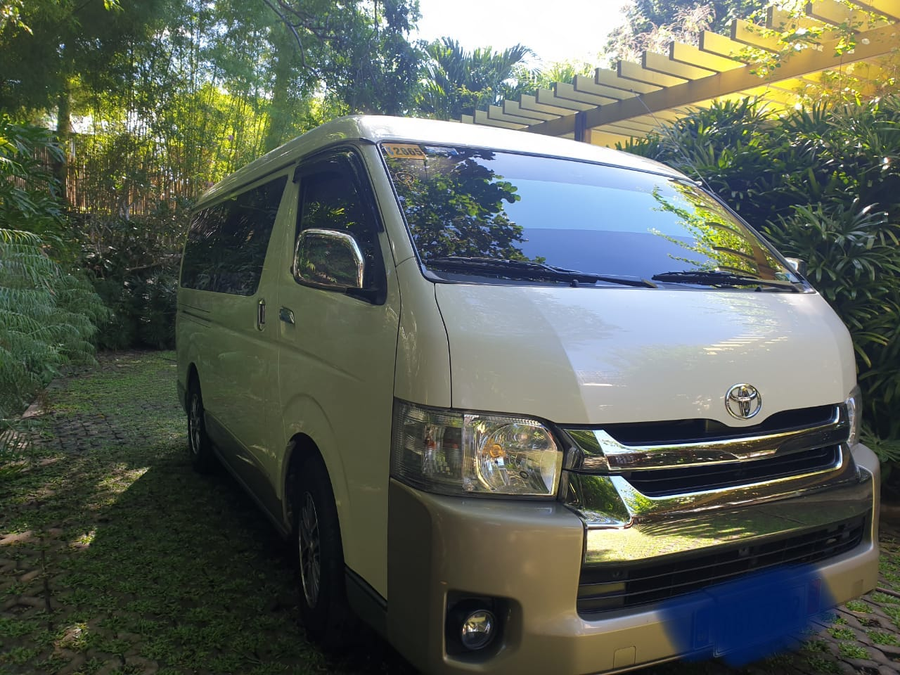 2016 Toyota Grandia 3.0  photo